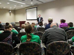 Legislator speaks to 4-H youth.