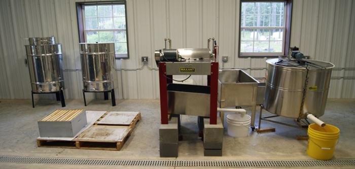 Robert Jackson Honey Extraction