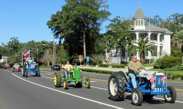 2015 Jackson County Farm City Festival - Antique Tractor Drive through Mariannna