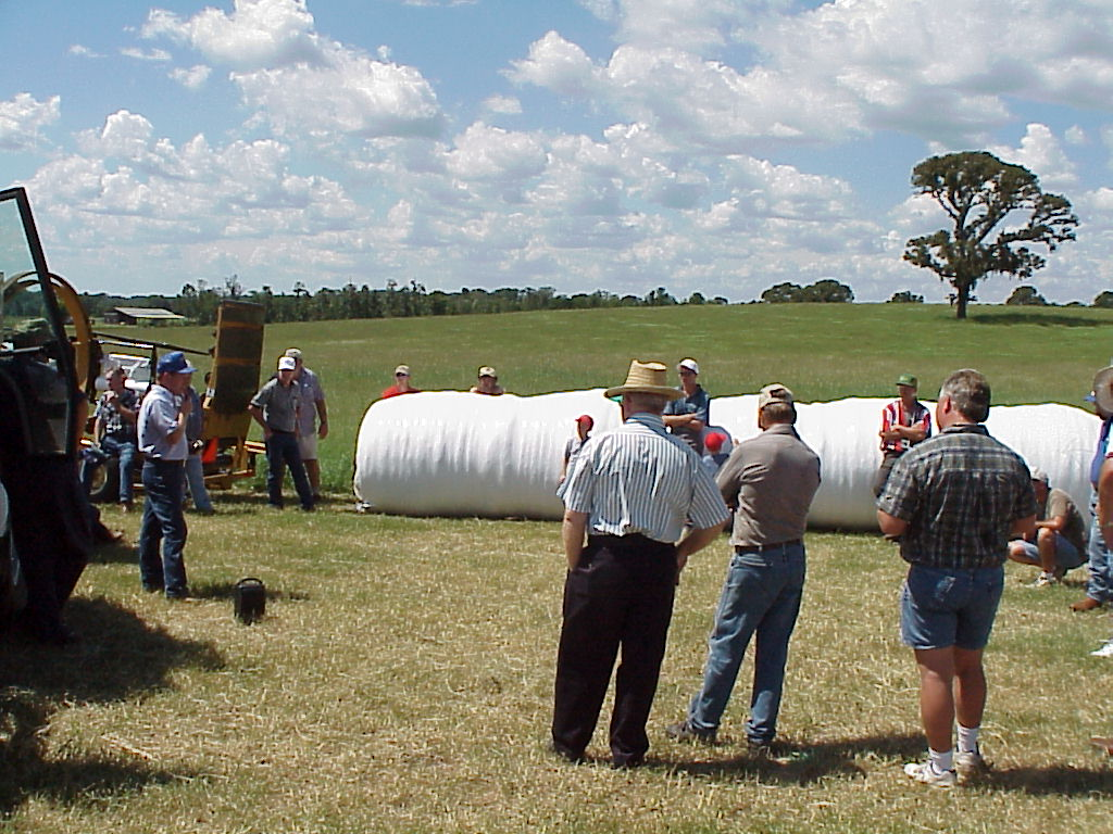 Andy Andreasen Discussing Hay Production at a Holmes County Cattlemen's Extension Field Day